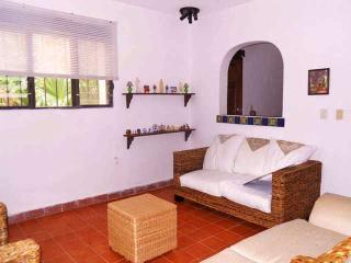 Los Caracoles B&B -  Affordable, nice and cozy - Cancun vacation rentals