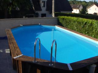 4 bedroom house Nr Disneyland Paris - Outdoor pool - Bailly-Romainvilliers vacation rentals