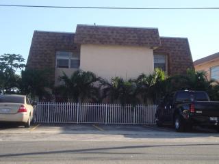 MARY POP APARTMENTS SLEEP UP TO 6 - Dania Beach vacation rentals
