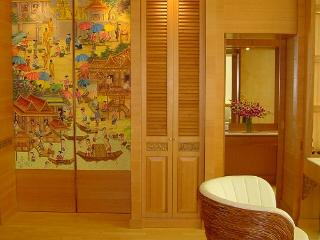 Riverview 1 bedroom corner apartment.Sleep up to 4 - Bangkok vacation rentals