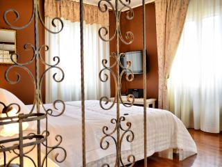 Villa Olivia-  Old Town Chocolate studio - Split vacation rentals