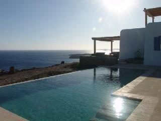 Pelicanos with memorable 180° sea views & secluded terrace with infinity pool - Agios Ioannis vacation rentals