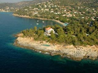 Pointe de la Fossette - Relaxing Waterfront Villa on 3 Acre Peninsula with Pool - La Londe Les Maures vacation rentals