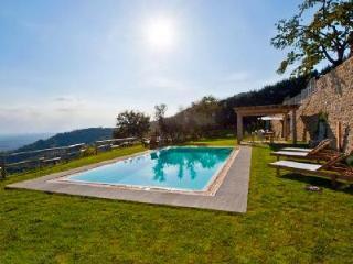 Charming Villa Tegognano features a gazebo, alfresco dining, bbq and heated pool - Cortona vacation rentals