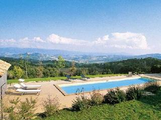 Hilltop Villa Biancaverde with swimming pool, home theatre & central location - Todi vacation rentals