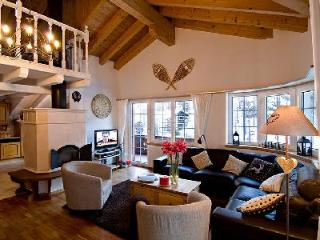 2 min to ski lift! Catered duplex attic chalet apartment Carmen with shared sauna & hot tub - Valais vacation rentals