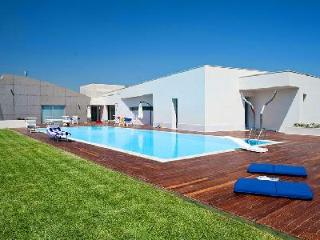 Villa Floridia - Eco-friendly luxury villa in Siracusa Area offers pool, fitness room & home theater - Floridia vacation rentals