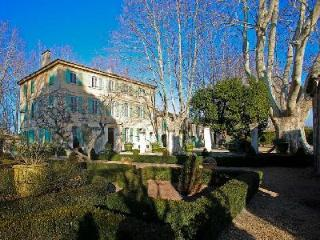 Magnificent Historic Country Estate Bastide Beatrice with Private Pool, Tennis Court & Gardens - Saint-Remy-de-Provence vacation rentals