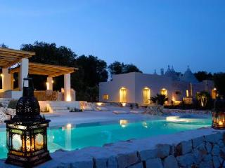 Villa Cervarolo - Stylish hideaway near Medieval town of Ostuni, with pool & beautiful views - Mesagne vacation rentals