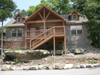 Dragan's Den- 2 Bedroom, 2 Bath Stonebridge Lodge with Nintendo Wii - Reeds Spring vacation rentals