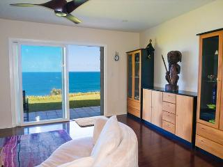 Oceanfront views from every room, upgraded luxury 1br/2ba on ground floor - Princeville vacation rentals