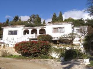 Casa Emilia, traditional villa with large pool. - Mijas vacation rentals