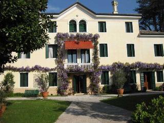Villa Asolo - Crespignaga vacation rentals