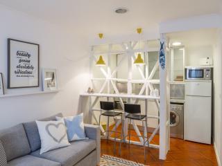 Studio in the heart of Alfama, with great design - Lisbon vacation rentals
