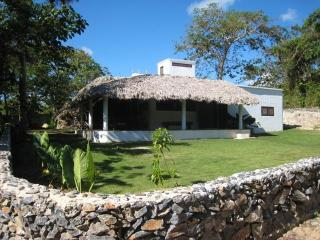La Cueva eco-lodge - Santa Barbara de Samana vacation rentals