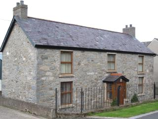 Rural, Co Down, Self Catering Farmhouse, sleeps 6. - Dromore vacation rentals
