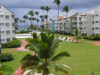 Playa Turquesa Ocean View 1BR Condo/ Wifi & Grill - Punta Cana vacation rentals