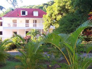Habitation L'Oiseau - Maison d'hôtes - Vieux-Habitants vacation rentals
