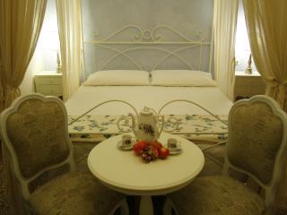 Tuscan Vacation Rental at La Casa nel Borgo - Bibbona vacation rentals