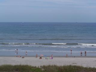 Ocean front beach condo 6th floor facing the ocean - Cocoa Beach vacation rentals