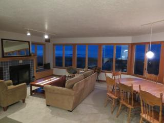 Conway's House, Beach Front, Sleeps 11, Wi-Fi - Rockaway Beach vacation rentals
