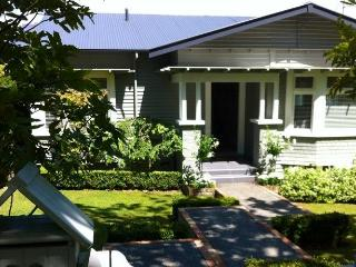 REMUERA B&B: 2 BEDROOMS: 5 STAR TRIP ADVISOR ***** - Auckland vacation rentals