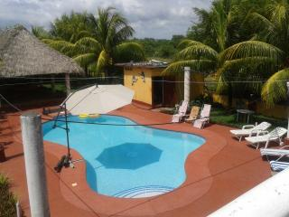 Chalet en Monterrico - Hawaii vacation rentals