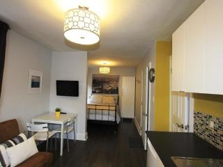 Great Gerrard - Paris Suite - Toronto vacation rentals