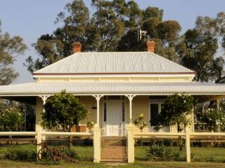Glen Falloch Farm Cottage, NE Victoria - Benalla vacation rentals