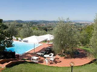 Girasole - Apartment Tosca - Bagno a Ripoli vacation rentals