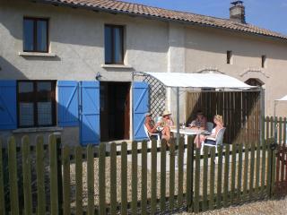 Chez Jon, Chatenet in the Charente Maritime - Jonzac vacation rentals