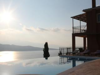 Luxury villa in Lefkas, with private swimming pool - Lefkas vacation rentals