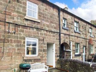 MOUNT PLEASANT, fantastic base, far-reaching views, end-terrace cottage near Cromford, Ref. 28762 - Derbyshire vacation rentals