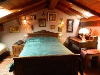 Traditional stone house in the historic center - A Estrada vacation rentals