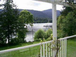 Fulford Dunderry: London Rm -.queen bed - Salt Spring Island vacation rentals