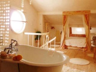 La croix farmhouse Dordogne - Razac-sur-l'Isle vacation rentals