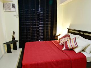 Unit at Makati City-  complimentary wifi - Philippines vacation rentals