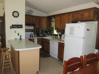 RATES ONLY $199 per night.  Spring/Summer (2 min) - Windham vacation rentals