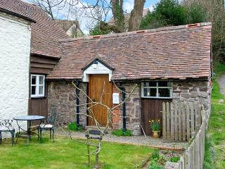 GATE HOUSE ANNEXE, pet-friendly cottage, close pub, walking etc in Picklescott Ref 23155 - Picklescott vacation rentals