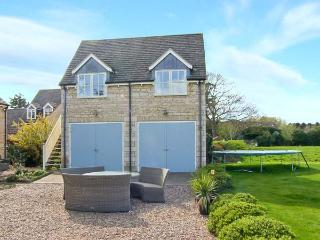 ACORNS, first floor annexe, open plan, romantic retreat in Maxey, Ref 23336 - Grantham vacation rentals