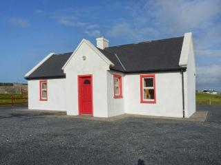 LAKESIDE COTTAGE 2, shared enclosed garden, on Achill Island, Ref 23701 - County Down vacation rentals