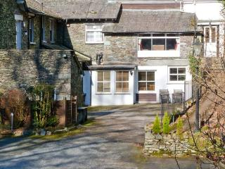 RAMBLERS ROOST, pet-friendly apartment, shared grounds with lake views, Grasmere Ref 23953 - Grasmere vacation rentals