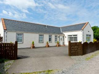 SHERAUCHIE, pet-friendly, coastal location, single-storey accommodation, in Southerness, Ref 17361 - Southerness vacation rentals