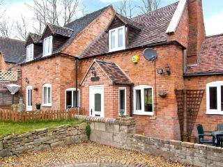 BROOK COTTAGE woodburner, pet-friendly, near to Ironbridge in Coalbrookdale Ref 22001 - Lower Wood vacation rentals
