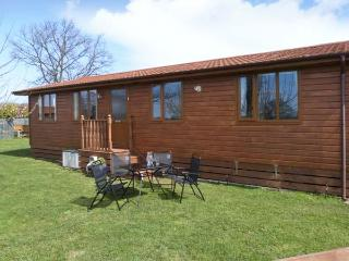 FIELD VIEW LODGE, open plan, pet friendly, close to many places of interest, Ref 24158 - Pocklington vacation rentals
