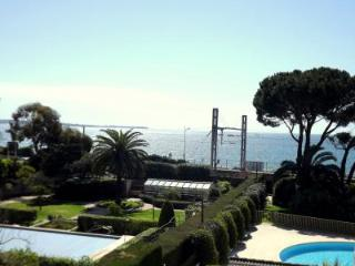 Marina, Cannes Vacation Rental with a Pool and Balcony - Cannes vacation rentals