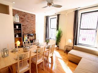 TIMES SQUARE 50TH GEM : 2BR/2BA - New York City vacation rentals