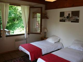 Chalet D'amo 12 bed chalet flexi dates - La Cote-d'Arbroz vacation rentals