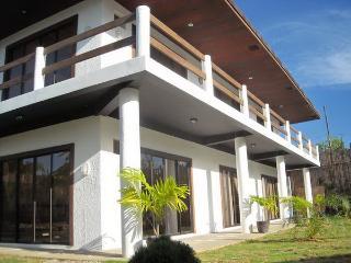 Island studio near Beach- Panglao Palms Apartelle - Dauis vacation rentals