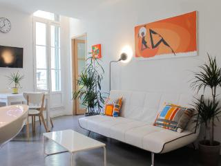 Sunny, 3 Star Marseille Apartment with WiFi, by the Sea and City - Marseille vacation rentals